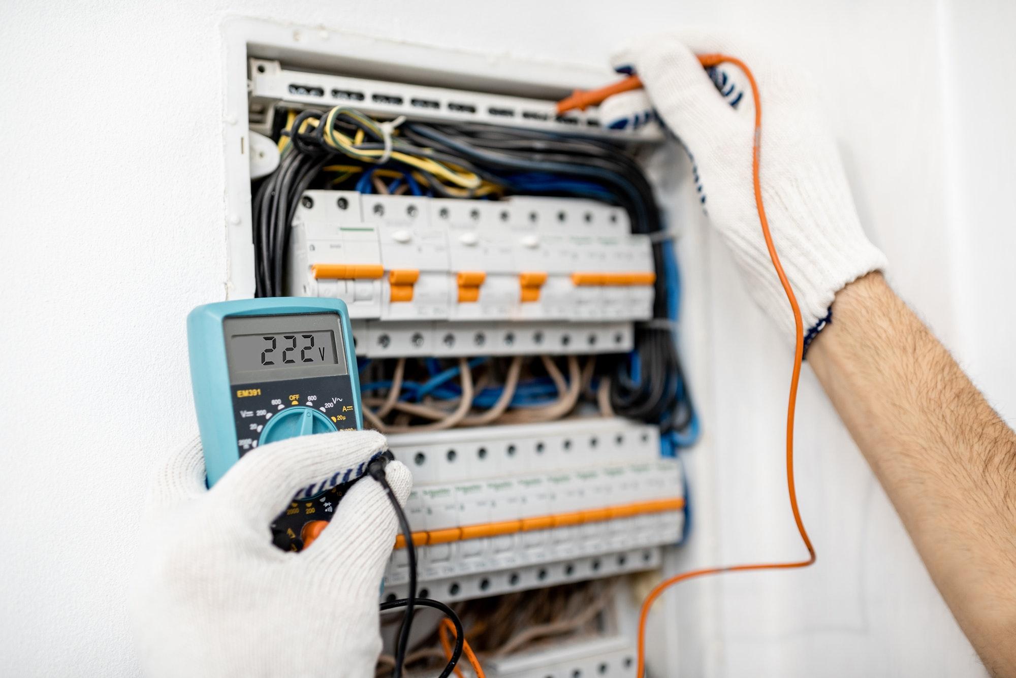ELECTRICIDAD INSTALACIONES ELÉCTRICAS RESTAURANTES EN LAS PALMAS